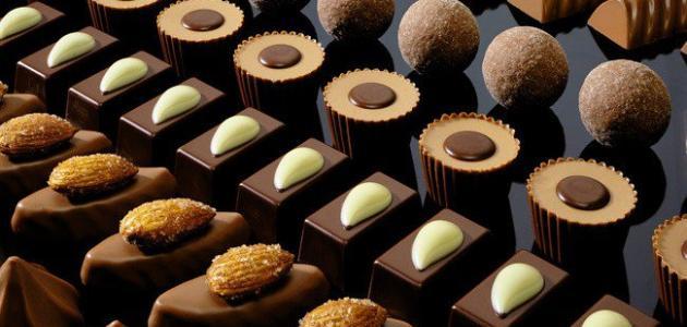 الشوكولاتة الداكنة افضل صحياً من الشوكولاتة بالحليب