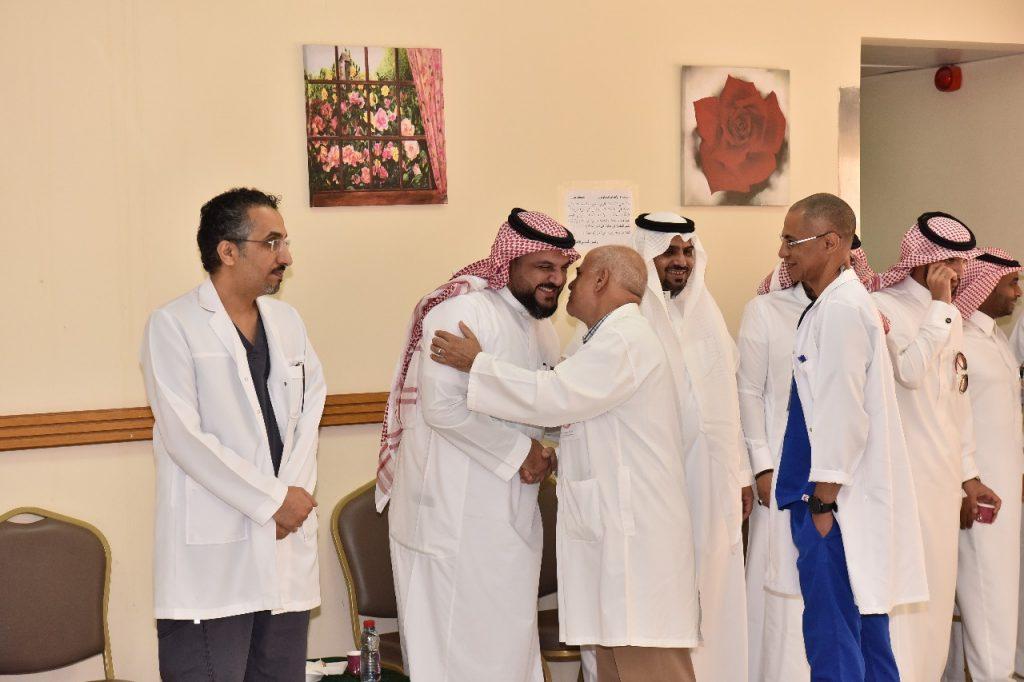 مستشفى الملك سلمان بالرياض يقيم حفل معايدة لمنسوبيه