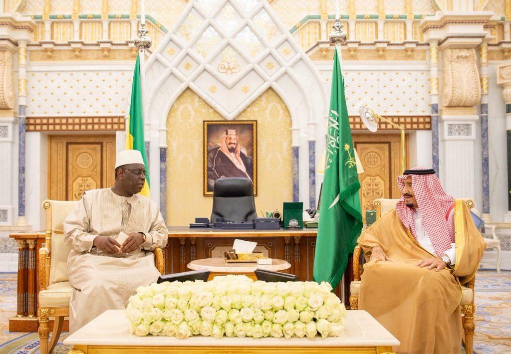 خادم الحرمين الشريفين يلتقي رئيسي الجابون والسنغال ورئيس وزراء لبنان وولي عهد البحرين