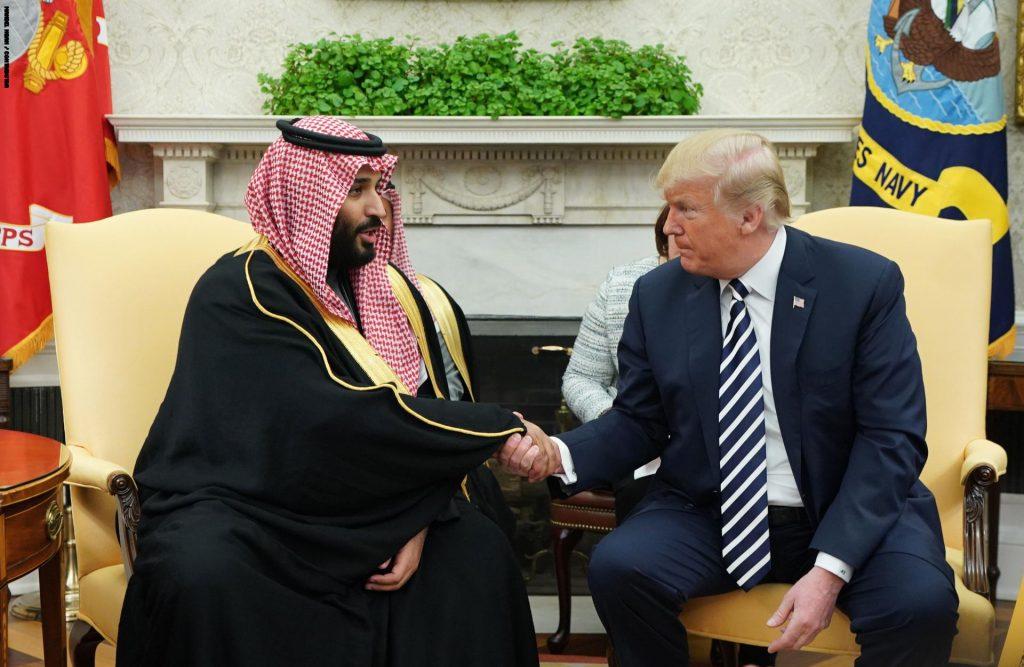 ولي العهد يتلقى اتصالا هاتفيا من الرئيس الأمريكي ويبحث معه مواجهة الإرهاب الإيراني