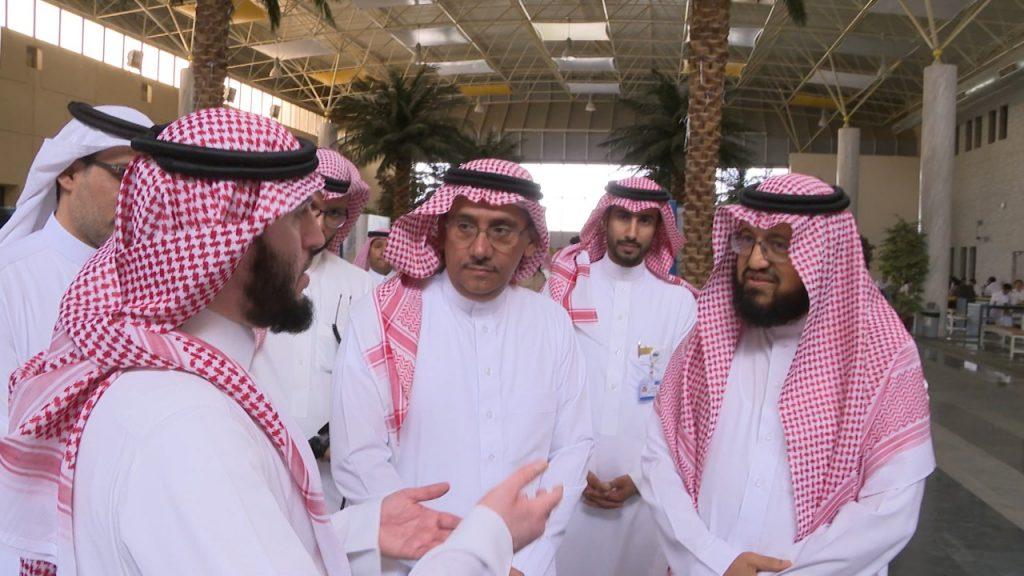 افتتح ملتقى شبابنا والأمن الفكري..مدير جامعة الملك سعود الامن والاستثمار لن يتحقق احدهم الا بالاخر
