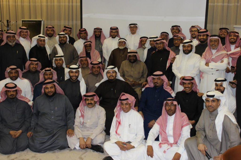 منسوبو الإمداد في مدينة الملك سعود الطبية يكرمون المتقاعدين