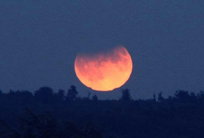 خسوف جزئي للقمر في سماء المملكة الأربعاء المقبل