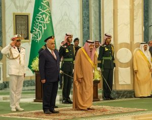 خادم الحرمين الشريفين يلتقي رئيس الوزراء العراقي