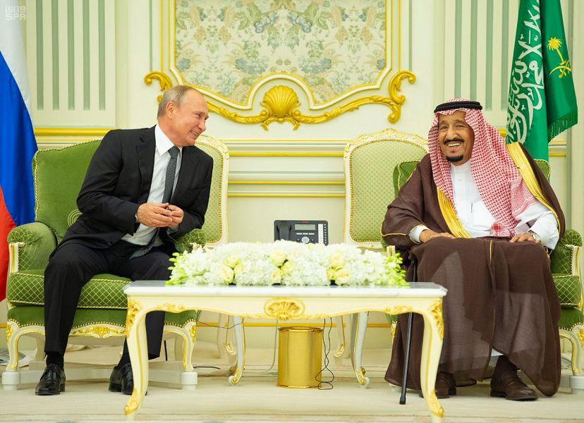 خادم الحرمين الشريفين وبوتين يشهدان فعالية شراكة الطاقة السعودية الروسية