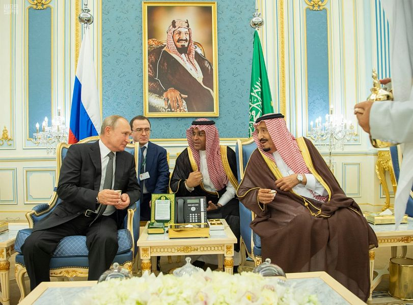 خادم الحرمين الشريفين يلتقي الرئيس الروسي بحضور سمو ولي العهد
